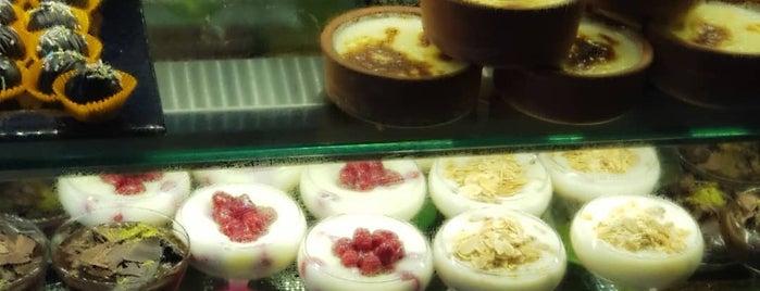 Shule's Butik Pasta & Kurabiye Evi is one of Evimize Yakın.