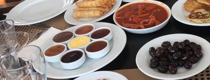 Kueffette Restaurant is one of Edremit.