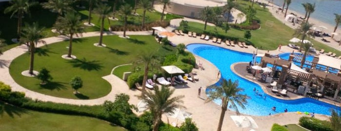 Sofitel Bahrain Zallaq Thalassa sea & spa is one of Lugares favoritos de Tawfik.