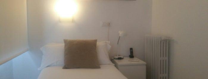 Hotel Neo Magna is one of Posti che sono piaciuti a Pablo.