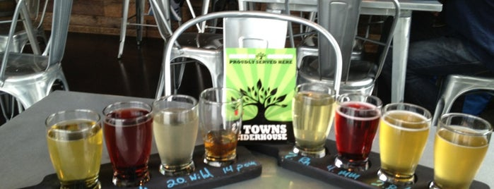 2 Towns Ciderhouse is one of Posti salvati di Nadine.