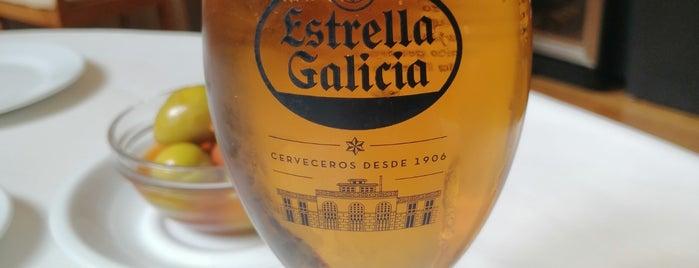 Picones de María Casa de Comidas is one of 🎩💍Ocasió Especial (5)👠👛.