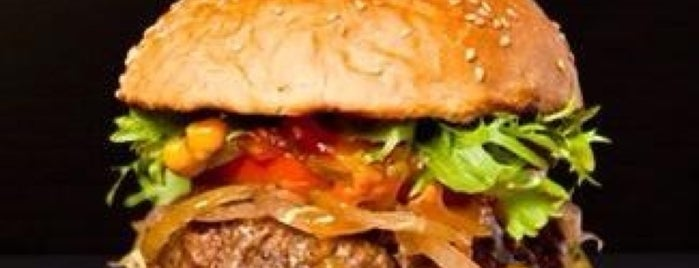 Burger House is one of Lieux qui ont plu à Yesim.