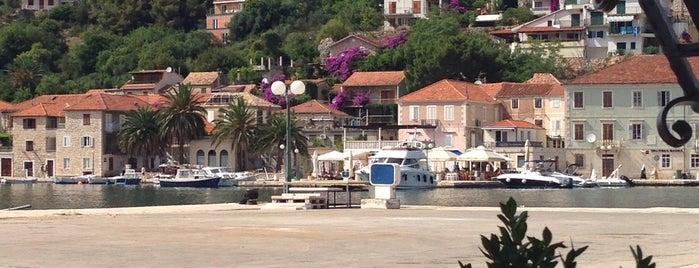 Port Jelsa is one of Kroatien.