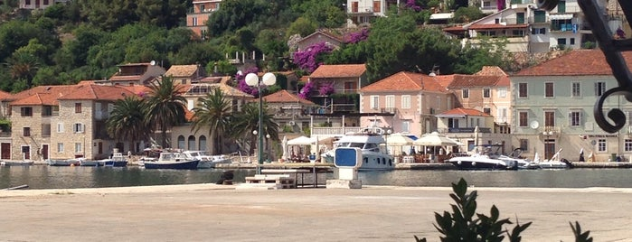 Port Jelsa is one of Хорватия.