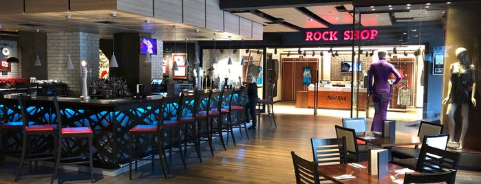 Hard Rock Cafe is one of Gespeicherte Orte von Orkhan.