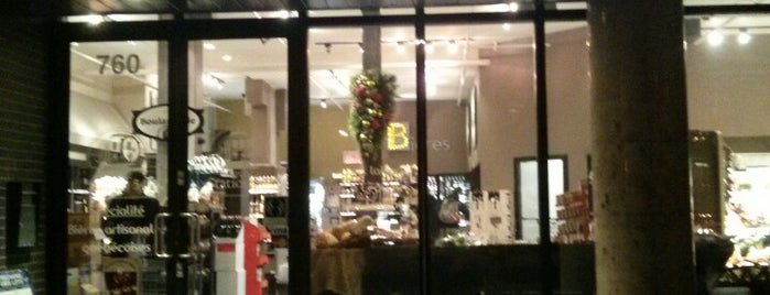 Marche Station 54 is one of Top café coffee shops Montreal.
