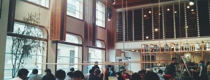 Coutume Instituutti is one of Paris.