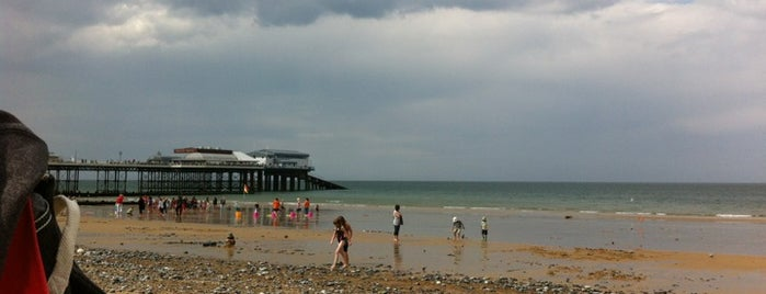Cromer Beach is one of Lugares favoritos de Carl.