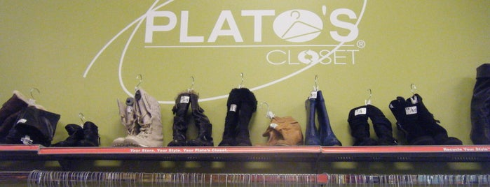 Plato's Closet is one of Lieux qui ont plu à Stephanie.