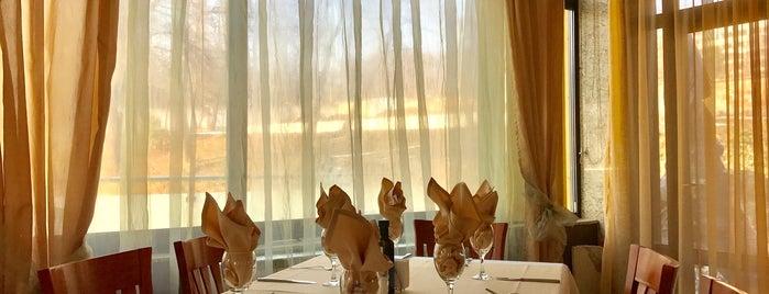 Maxim Restaurant & Garden is one of WannaTryFood.