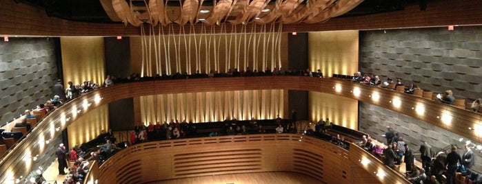 Koerner Hall is one of Lugares favoritos de Sara.