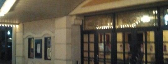 Crighton Theatre is one of Posti che sono piaciuti a Rita.