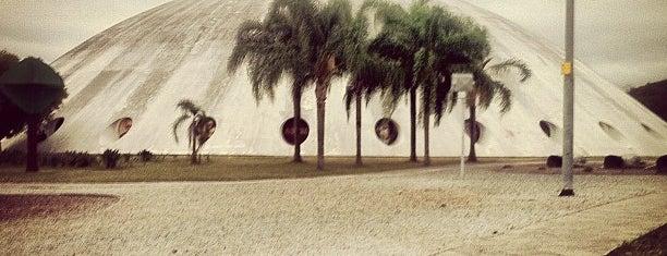Pavilhão Lucas Nogueira Garcez (Oca do Ibirapuera) is one of Sombra.
