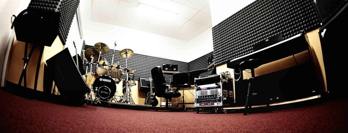 Double Dominant | Production Studio is one of สถานที่ที่ Maurizio ถูกใจ.