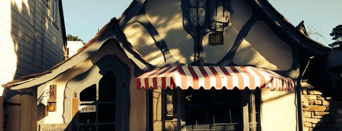 The Tuck Box is one of Pacific Old-timey Bars, Cafes, & Restaurants.