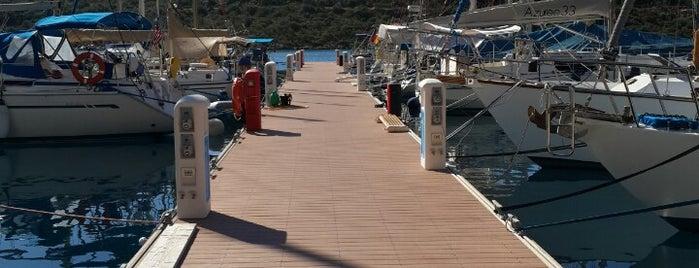 Kaş Setur Marina is one of Yasemin Arzuさんの保存済みスポット.