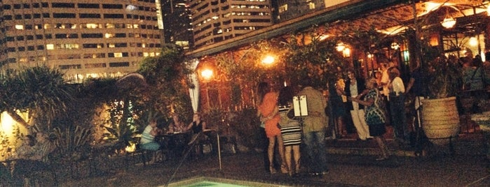 Veranda Bar at the Hotel Figueroa is one of rooftop/outdoor drinking..