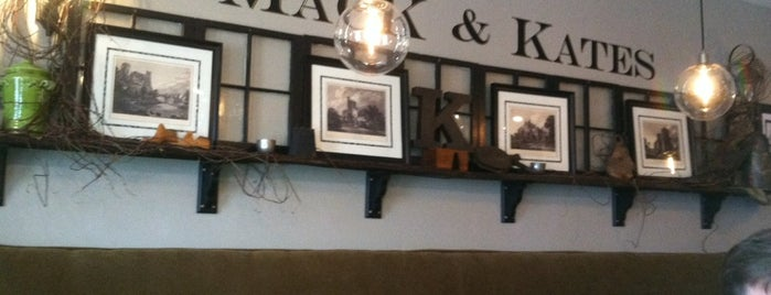 Mack&Kates Cafe is one of Trevorさんの保存済みスポット.
