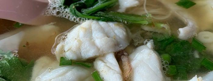 第一街潮州鱼汤 First Street Teochew Fish Soup is one of Gerry 님이 저장한 장소.