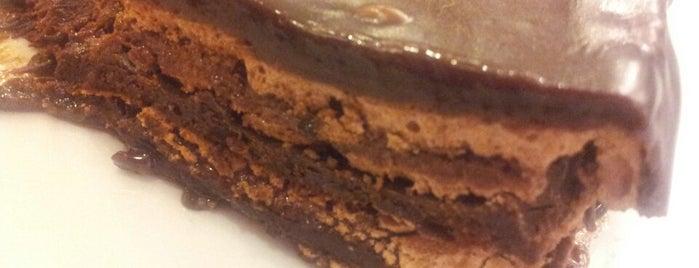 O Melhor Bolo de Chocolate do Mundo is one of Káren : понравившиеся места.