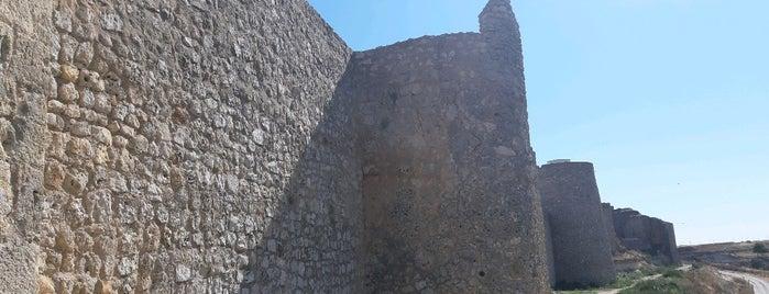 Castillo De Ureña is one of Monumentos de Urueña.