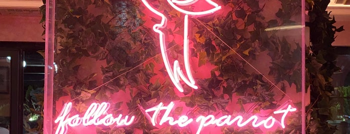 Lou Cafe Bistro is one of สถานที่ที่ Pelin ถูกใจ.