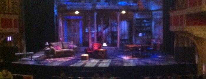 McPherson Playhouse is one of Nick'in Beğendiği Mekanlar.