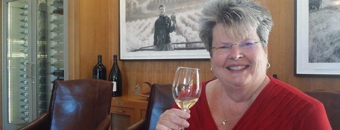 Etude Wines is one of Lugares favoritos de Jennifer.