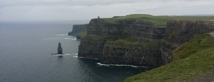 Cliffs of Moher is one of Lugares favoritos de Jennifer.
