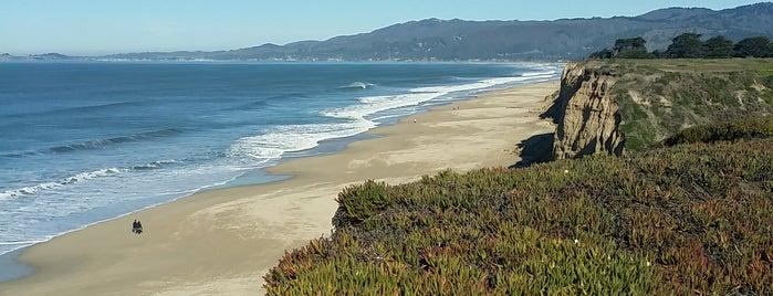 Half Moon Bay Coastal Trail is one of Lugares favoritos de Jennifer.