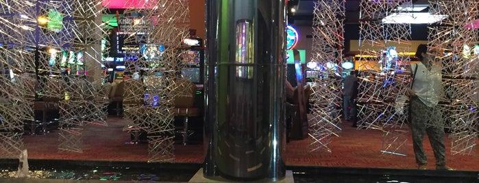 Rio Casino San Diego is one of Locais curtidos por Ana.