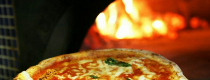 The Urban Pizza is one of Cenas.