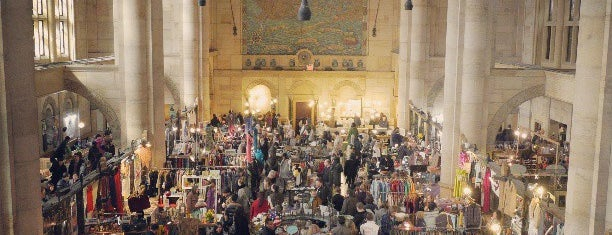 Brooklyn Flea - One Hanson is one of Lara's #NYCmustsee4sq.