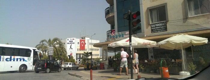 Boyoz Pastanesi is one of สถานที่ที่ SUAT YALÇIN ถูกใจ.