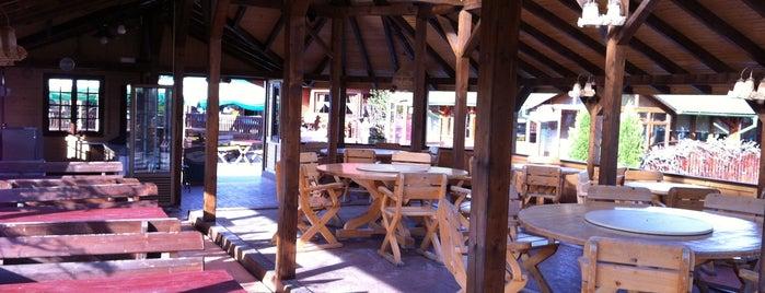 Apfelhaus Restaurant is one of Tempat yang Disukai George.