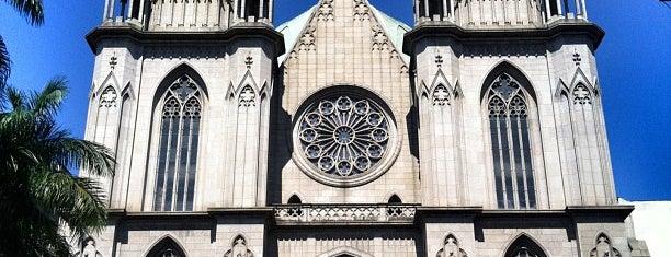 Catedral da Sé is one of Pontos Turísticos.