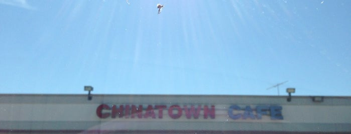 Chinatown Cafe is one of Tempat yang Disukai Brett.