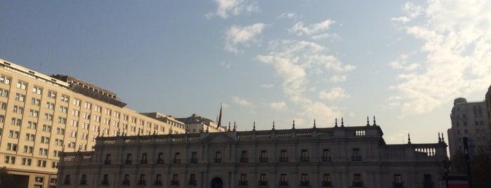 Palacio de La Moneda is one of Tempat yang Disukai Joao Ricardo.