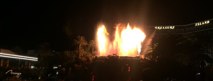The Mirage Volcano is one of Joao Ricardoさんのお気に入りスポット.