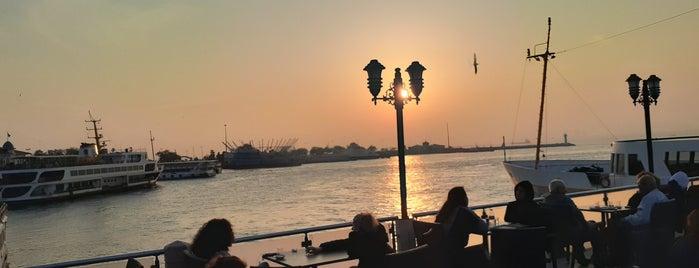 İstanbul Kitap Kafe is one of Ferdi 님이 좋아한 장소.