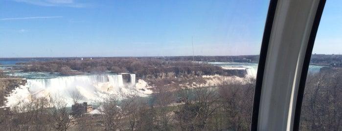 Niagara SkyWheel is one of Tempat yang Disukai Laura.