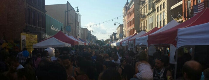 All About Downtown Street Fair is one of Posti che sono piaciuti a Y. NEGi.