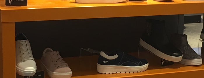 SKECHERS Retail is one of Locais curtidos por Bridgette.