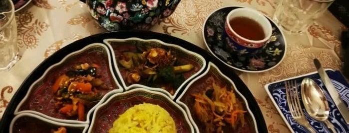 Kebaya Dining Room is one of Orte, die Matej gefallen.