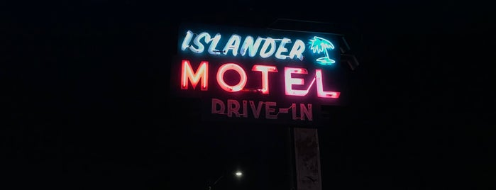 Islander Motel is one of Neon 💡.