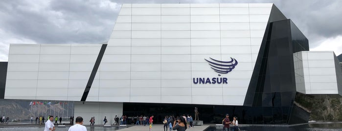 UNASUR is one of Lieux qui ont plu à Antonio Carlos.