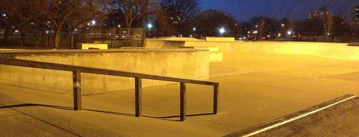 Wilson Skate Park is one of สถานที่ที่ Ninah ถูกใจ.