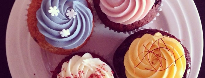 Cupcake Affair is one of สถานที่ที่ Anna ถูกใจ.