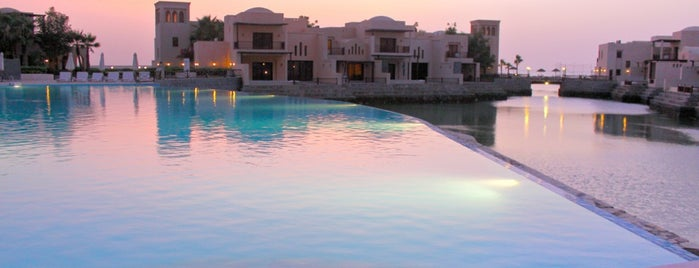 The Cove Rotana Resort is one of Hessa Al Khalifa 님이 좋아한 장소.